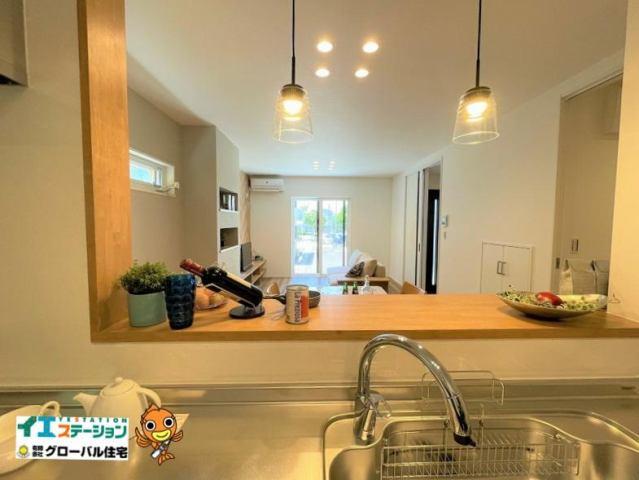 有限会社グローバル住宅 内観写真 キッチンからの眺め