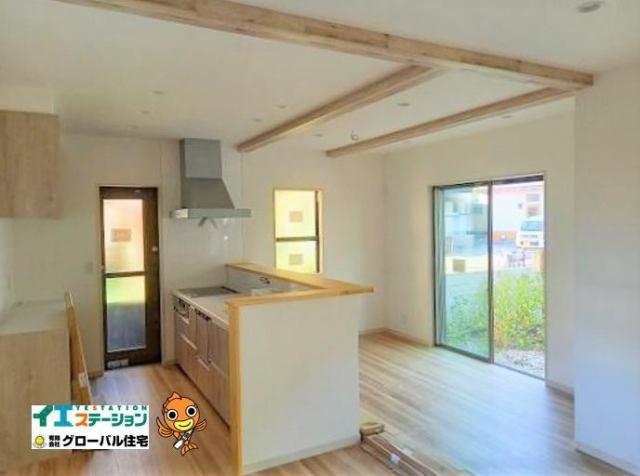 有限会社グローバル住宅 内観写真 高知市神田 新築住宅 屋根裏収納 3LDKの内観写真