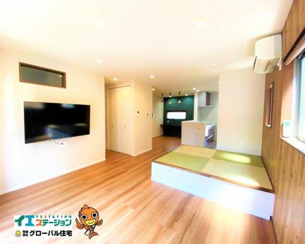 有限会社グローバル住宅 内観写真 壁掛けのテレビでお掃除も楽です♪