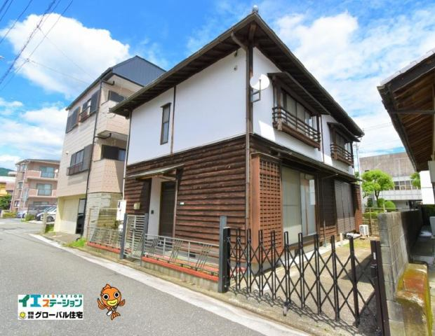 有限会社グローバル住宅 外観写真 高知市昭和町 2台駐車可 中古住宅の外観写真