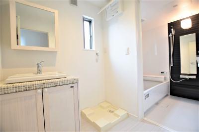 株式会社エールエステート(不動産業) 内観写真 シンプルで使いやすい洗面スペース。アレンジもしやすい空間(^^)