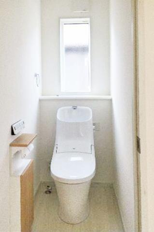(トイレ)「フルオート便器洗浄」機能付き!