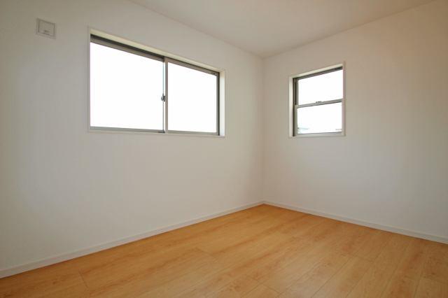 (同仕様・洋室)大きなお部屋にウォークイン!主寝室にいかがでしょうか?