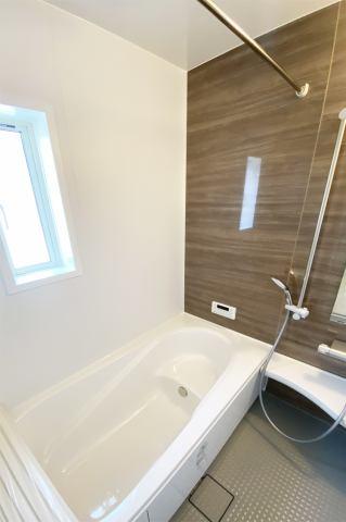 (浴室)浴槽ベンチで半身浴!入る前には1杯の水を!