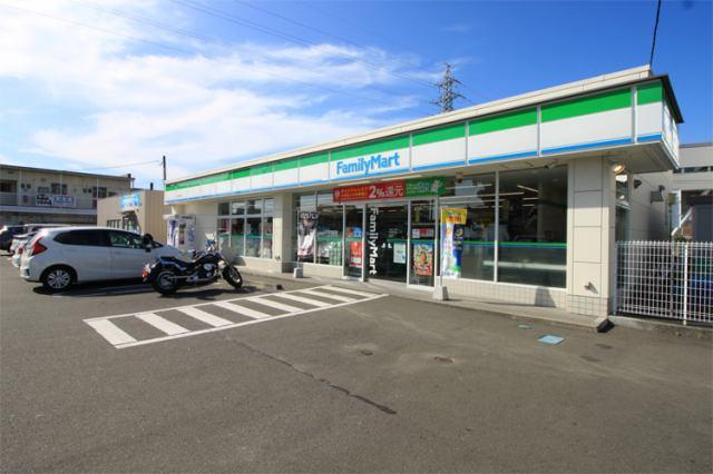 ファミリーマート中野栄駅前店まで徒歩8分