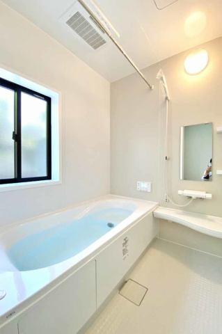 (浴室)浴室乾燥機付きです♪東北の長い梅雨、冬やクラブ活動をしているおこさんが いる方にはとっても