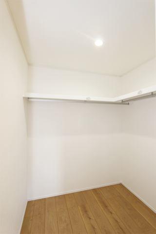 (ウォークイン)皆の憧れウォークイン!収納BOXで空間を有効活用!