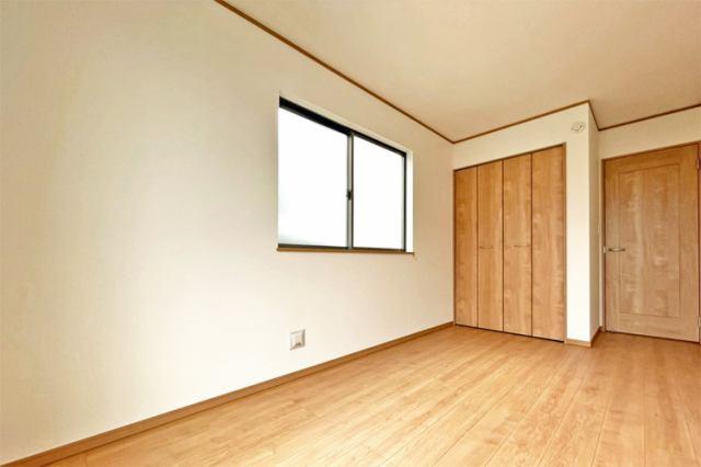 (洋室) 全室2面採光で明るい洋室です♪