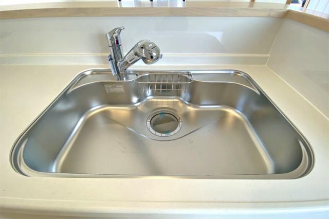 (同仕様・浄水器付混合水栓)浄水器一体型です!塩素の匂いも軽減でお米もおいしく炊けます!