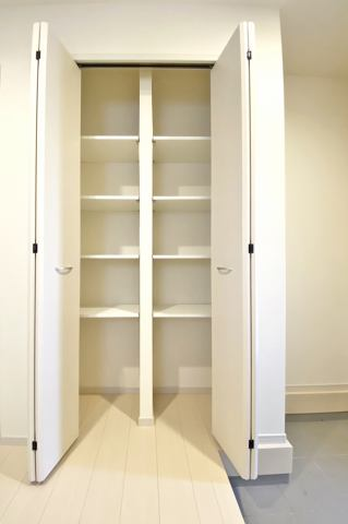 (靴箱)明るい玄関♪家族みんなの靴もすっきり収納できます♪