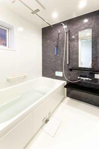 (浴室) 広々1坪のシステムバス♪ 足を伸ばせるのが嬉しい♪