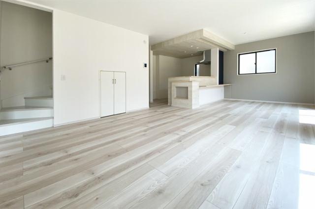 (LDK)ダイニングテーブル・ソファをゆったり置ける広々LDK♪人気のリビングイン階段仕様!