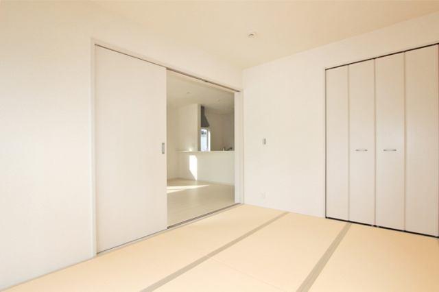 (同仕様・和室)和室はお子様の遊び場としても最適な空間(^^)