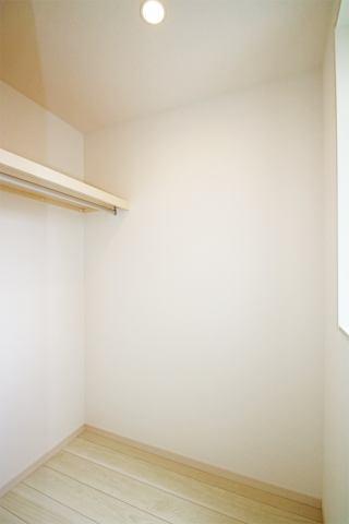 (同仕様・ウォークイン)皆の憧れウォークイン!収納BOXで空間を有効活用!
