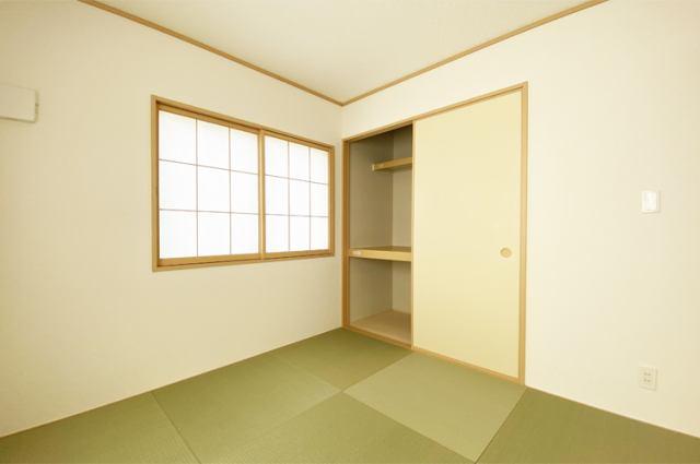 (和室)お手入れ楽々ビニール畳!光を反し、明るい和室!