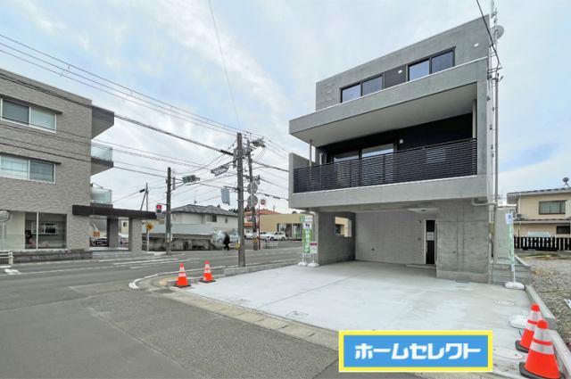 (現地写真)災害に強い鉄筋コンクリート造の3階建て!