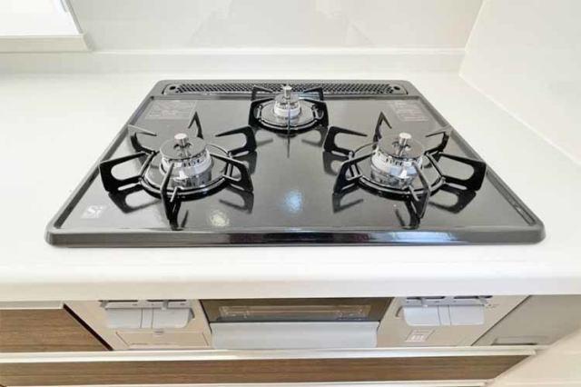 (ガスコンロ)3口コンロで複数の調理もできます♪