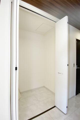 (廊下収納)靴箱&クローゼットで玄関はスッキリ!
