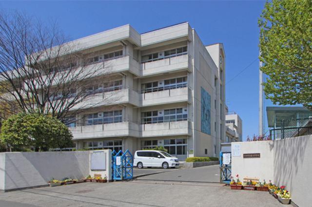 富沢中学校まで徒歩12分