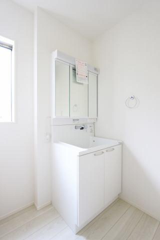 (洗面化粧台)収納豊富な化粧台!洗面所収納もあります♪