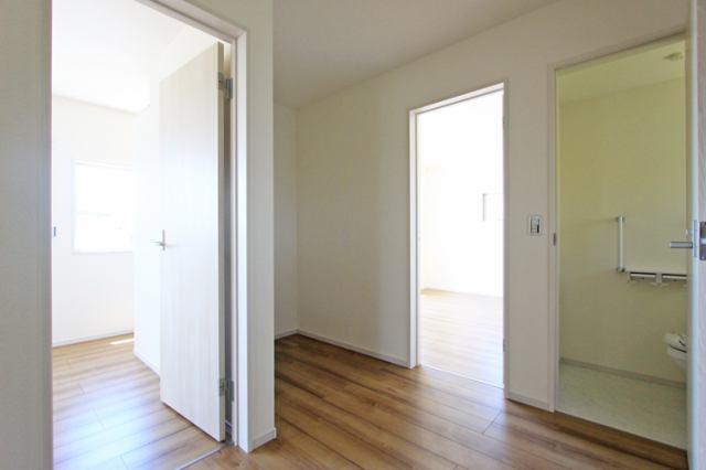 (2階ホール)ゆとりのある2階のホール♪