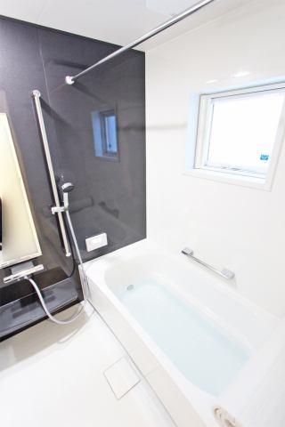 (浴室) 浴槽ベンチで半身浴!入る前には1杯の水を!