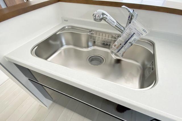 (浄水器付混合水栓)浄水器一体型の水栓でシンク周りスッキリ♪