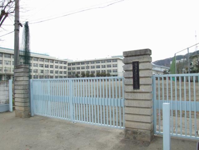 長町中学校徒歩22分