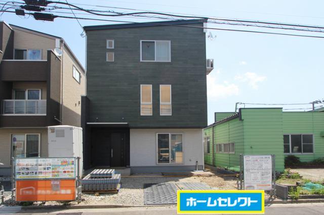 (現地写真)ゆとりの3階建て!オール電化住宅です♪