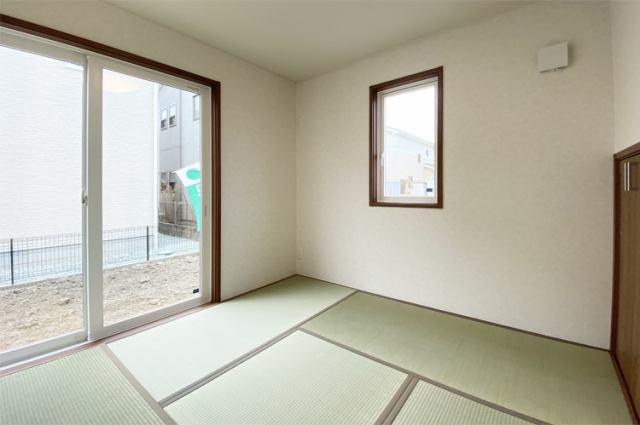 (同仕様・和室)4.5帖の和室がリビングに隣接しております!防音効果もある和室は使い勝手抜群♪