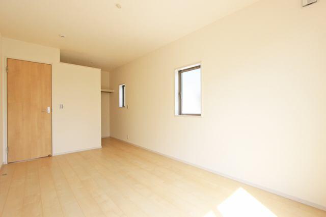 (洋室)大きなお部屋にウォークイン!主寝室にいかがでしょうか?