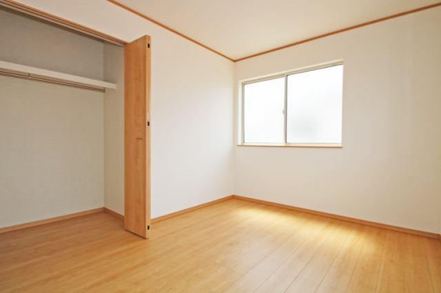 (洋室) お父さん待望の書斎?それともお母さんの趣味の部屋?使い方色々の洋室です(^^)