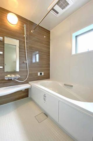 (浴室) フルオートのエコキュート仕様でとっても経済的♪浴室乾燥機でスピード乾燥♪