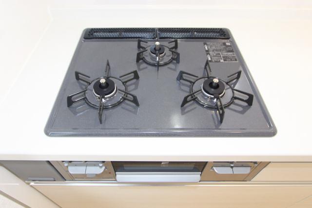 (同仕様・ガスコンロ)お料理はかどる3つくちコンロ!安全装置でうっかり防止!