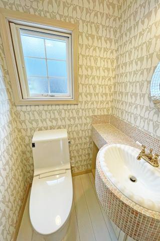 (トイレ)細部までこだわりぬいたトイレ!洗面台付きが嬉しい!
