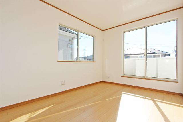(同仕様・洋室)広々8.2帖 大きな洋室!主寝室にいかがでしょうか?