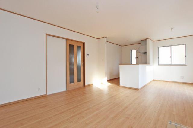 (同仕様・LDK)和室続きの広々リビング!襖を外せば大空間!友達たくさんホームパーティー!