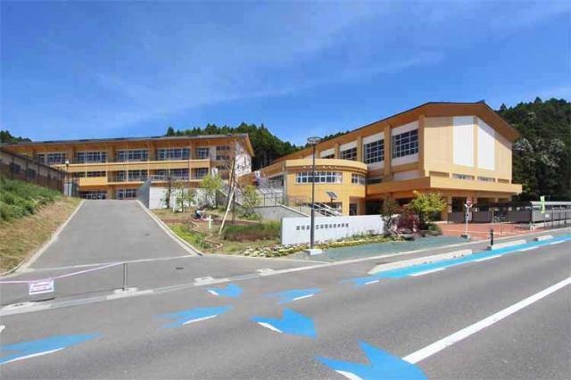 鳴瀬未来中学校