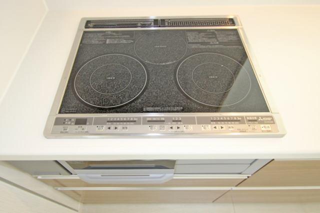 (同仕様・IHクッキングヒーター)火を使わないのでキッチンが熱くならず、安心なIH♪