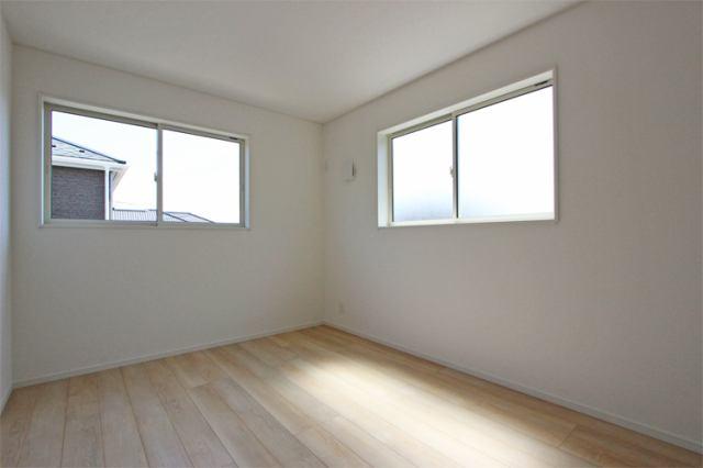(洋室)南向き!とっても明るい洋室です!
