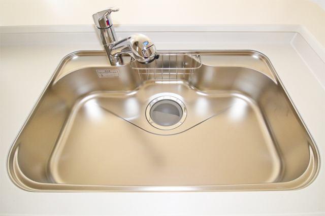 (浄水器付混合水栓)浄水器一体型の水栓でシンク周りスッキリ(^^)