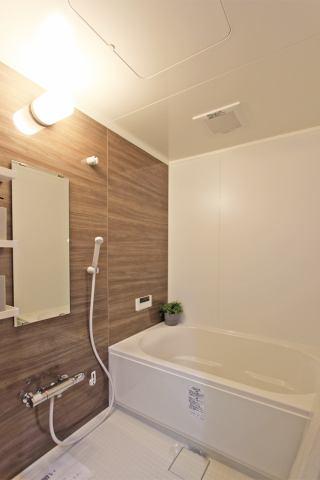 (浴室) 広々お風呂で快適バスタイム!