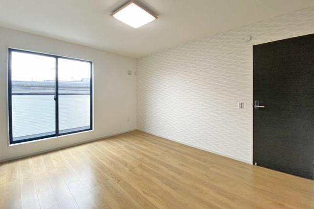(洋室)南面バルコニー付き明るいお部屋♪お子さんのお部屋に最適です♪