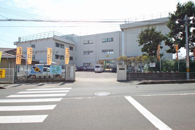 東仙台中学校まで徒歩13分