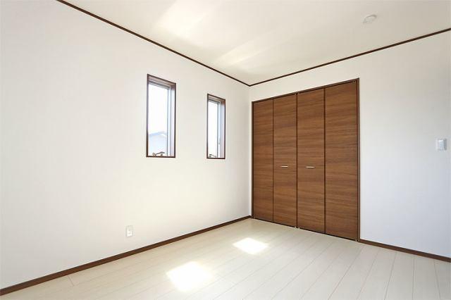 (同仕様・洋室) 6帖の洋室が2部屋、主寝室向きのお部屋は最大8帖仕様です♪
