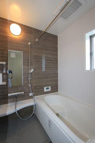 (浴室) 浴槽ベンチで半身浴!お湯の温度は39℃!