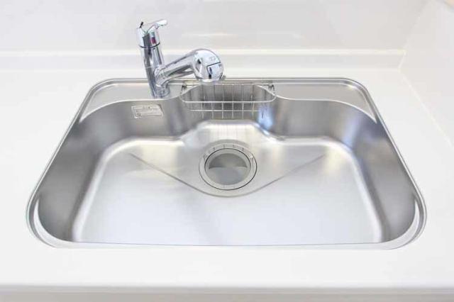 (浄水器付混合水栓)浄水器一体型の水栓でシンク周りスッキリ!