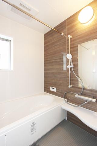 (浴室) 雨の日・梅雨の日・冬の時期、強~い味方の浴室乾燥付!