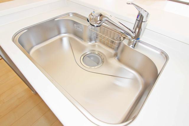(同仕様・浄水器付混合水栓)浄水器一体型の水栓でシンク周りスッキリ(^^)