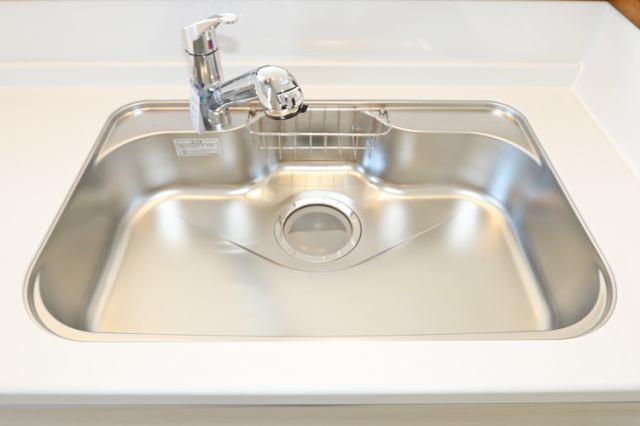 (同仕様・浄水器付混合水栓)浄水器一体型です!塩素の匂い完全除去でお米もおいしく炊けます!